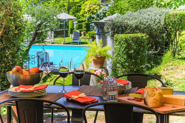 Villa Dell'Angelo in Lucca 8 with views, pool, wifi, ideal for families