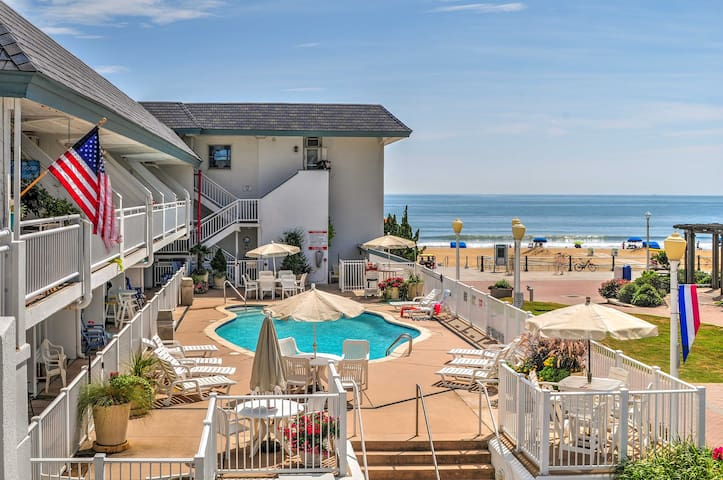 Oceanfront Resort Studio on Virginia Beach!