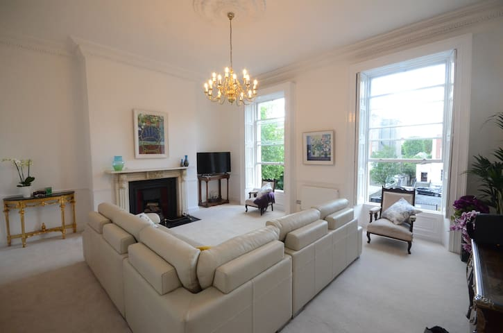 Luxurious 3 Double Bedroom Town house