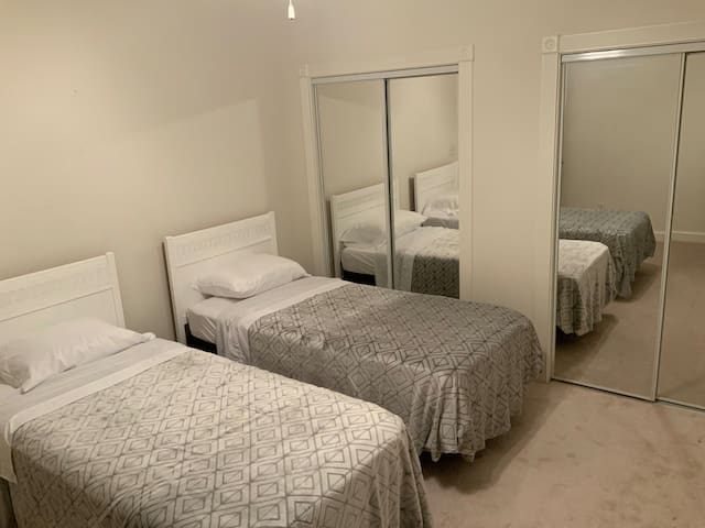 3rd bedroom with a King size bed or 2 twin bed