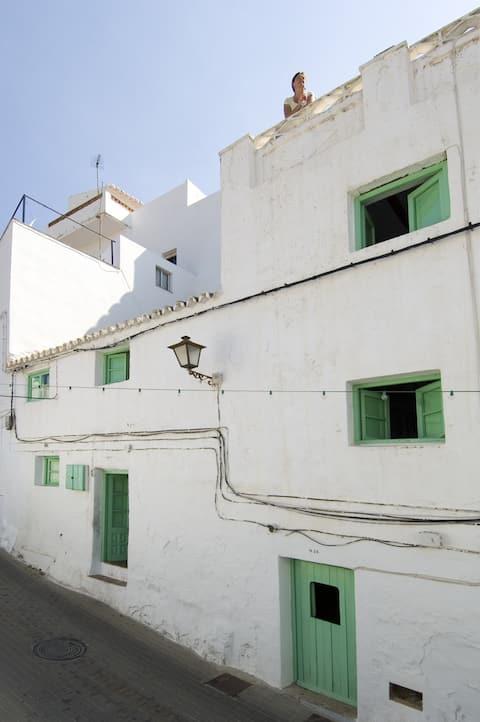 La Casa Antigua, Casares