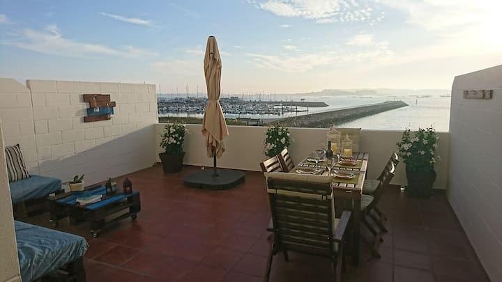 Gran terraza sobre el mar en casco urbano Vilanova