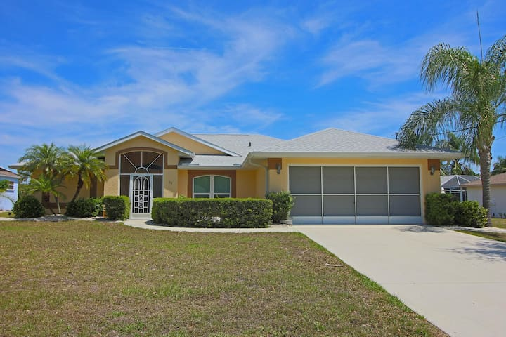 Cozy, very affordable, 3 beds, 2 baths, solar or optional electric heated pool.