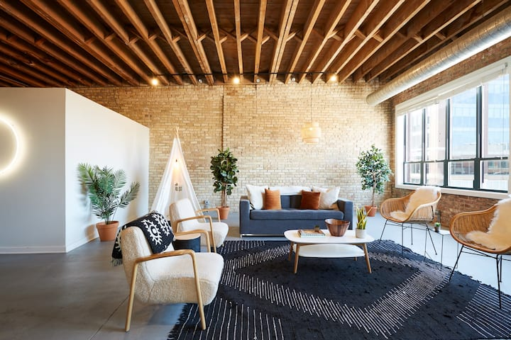 Designer 3BR Luxury Penthouse in Heart of Fulton Market
