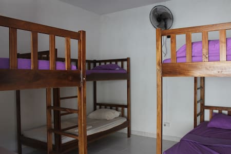 Dili Central Backpackers Bed in Fan Cooled Dorm - Díli