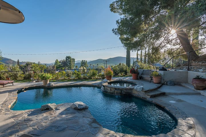 Spectacular view home; Pool & spa. LA/Malibu.