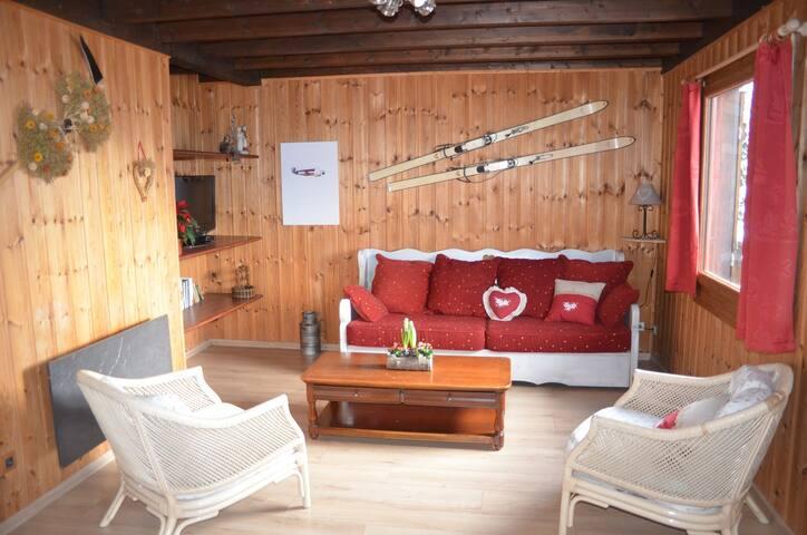 Chalet savoyard - 10 min des pistes de ski