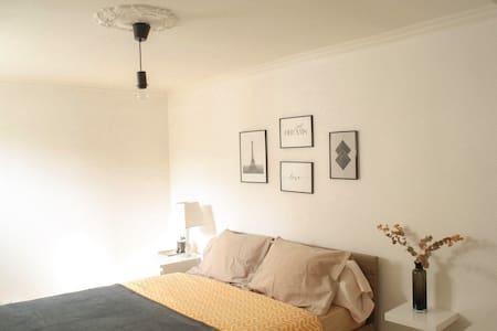 Chambre avec salle d'eau individuelle