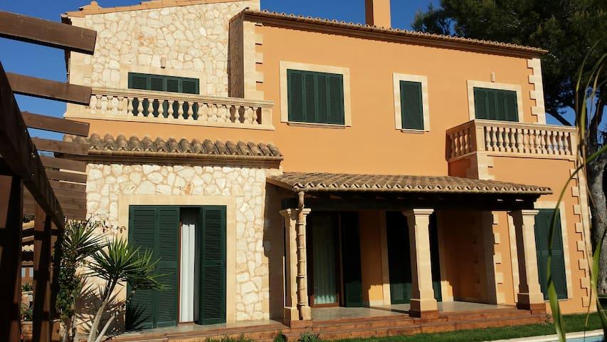 Villa Puig de Ros vista al mar, jardin y piscina
