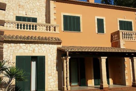 Villa Puig de Ros vista al mar, jardin y piscina - Llucmajor - Maison