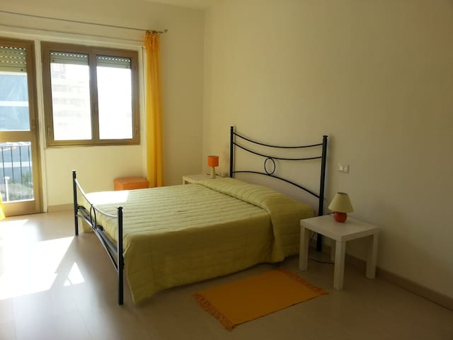 Room in Cagliari 42 euro for 2 - Càller - Pis