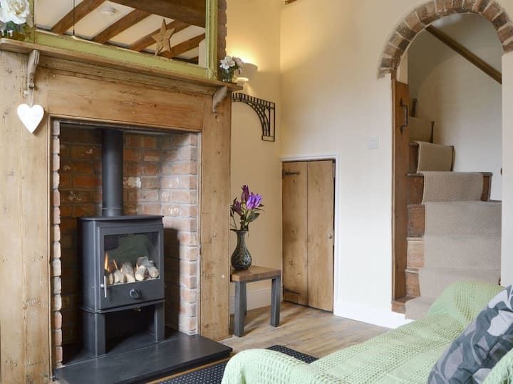 Artisan Cottage (UK10824)