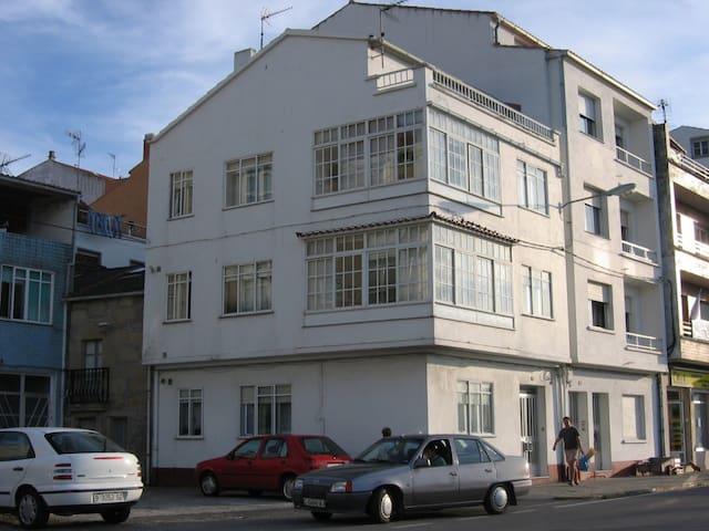 Casa de pueblo junto al mar - Porto do Son - Ev
