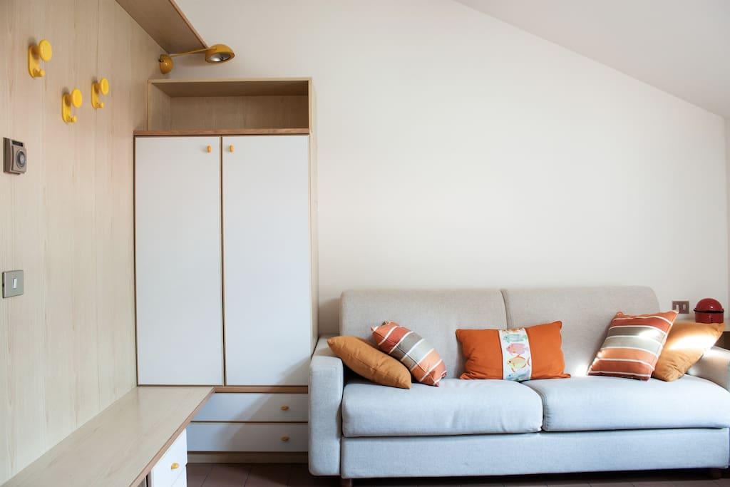 Accogliente monolocale in lecco condomini in affitto a for Case affitto lecco arredate