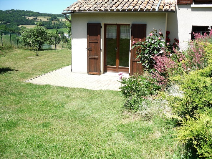 Fully equipped studio in the Cantal