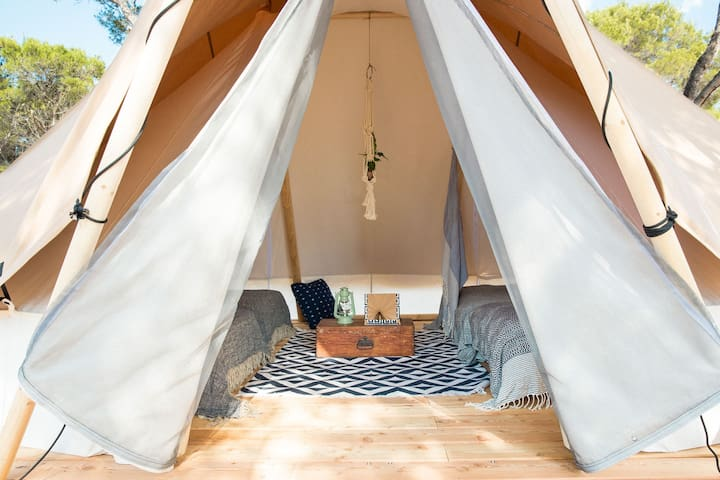 3-4 Person Classic Bell Tent