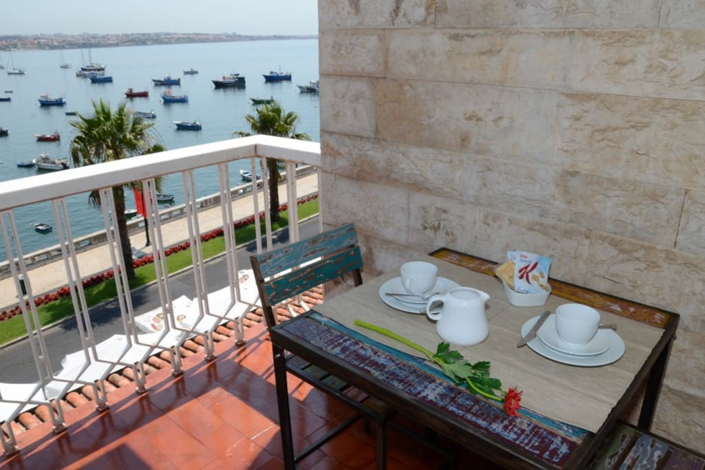 Breakfast for two admiring the view