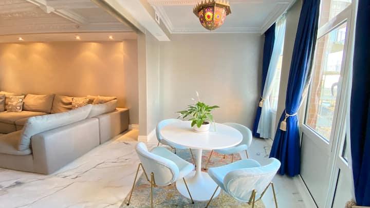 Luxury 2 Bedroom Apt with Spa Bath | Smoke Free