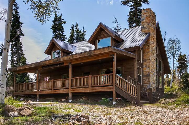 Beautiful 3BR Cabin in Virgin, Utah - Virgin