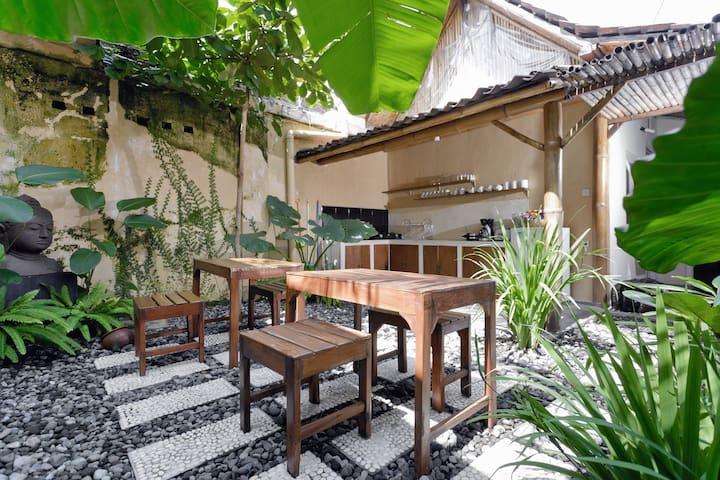 BAMBOO RAJA (Standard Dbl Room) - Mergangsan - Bed & Breakfast