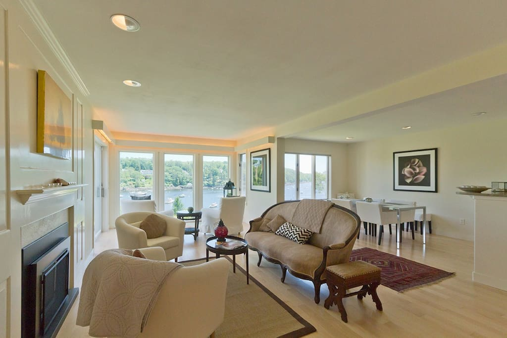 Striking views from living spaces. Open floor plan with artistic decor and tasteful furnishings.