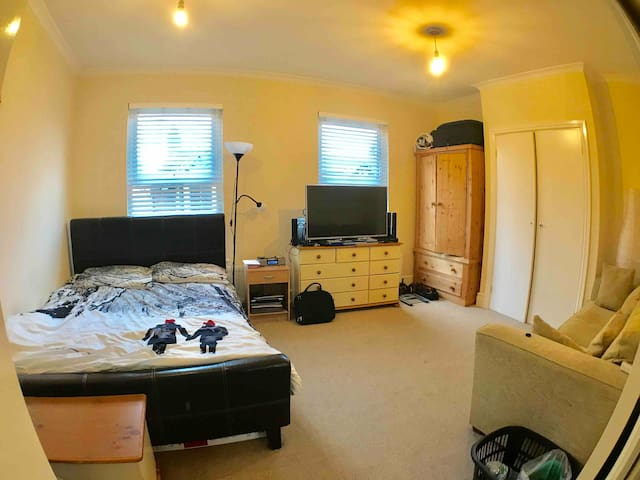 Double Room in centre of Aylesbury