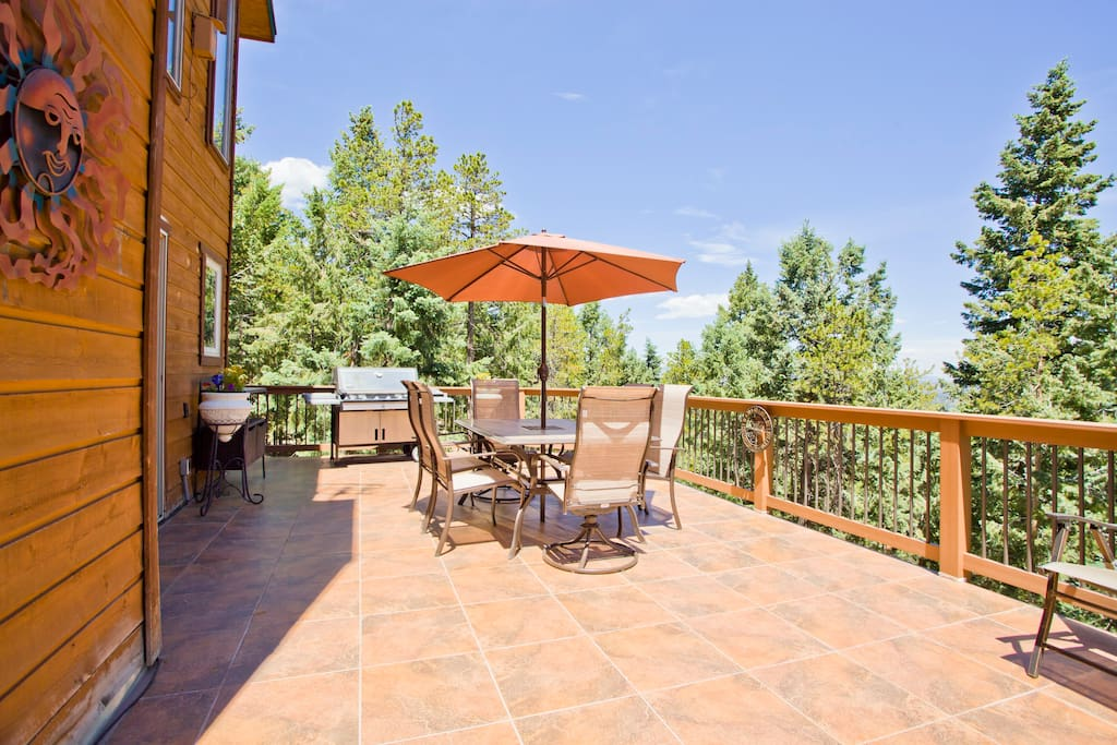 Spacious deck with large gas grill