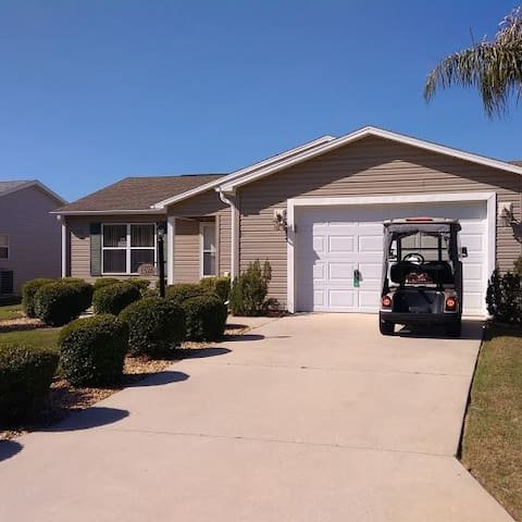 The Villages 3 Bedroom home w/golf cart