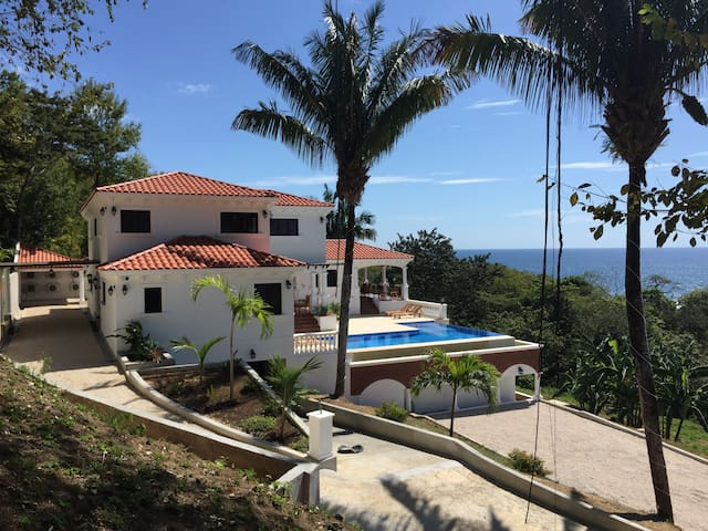 Luxurious Ocean Front Tuscan Villa - Puerto Carrillo