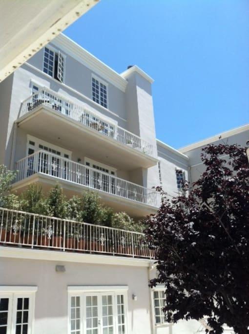 Beach Side Heart Of Santa Monica P Apartments For Rent In Santa Monica California United States