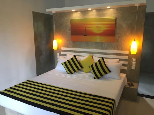 Villa Dominikku (Sleep Yellow)