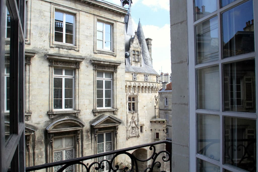 Fairytale view of Porte Cailhau from the living room