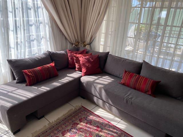 Guest lounge area - communal