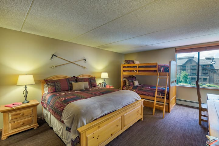 Walk to Lift! Mountain Room-Sleeps 5