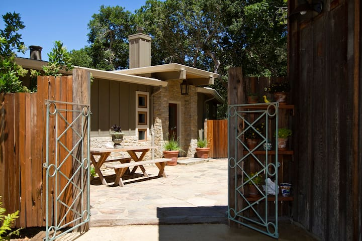 Park and walk into your intimate fountain courtyard at front door