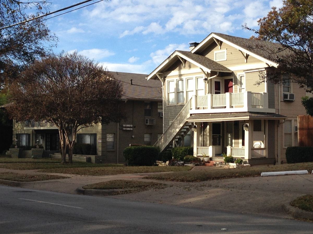 ... 100 Year Old House On Cole Avenue In Dallas Across From Cole Park