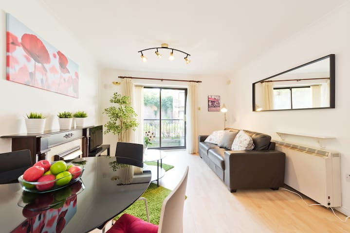 City Centre 2bed aptment at Christchurch cathedral