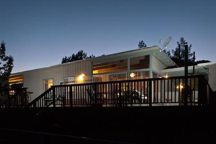 Sedona Cabin with views