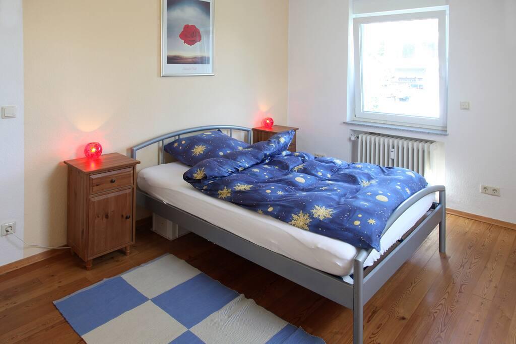 Schlafzimmer Gartenseite - bedroom garden side