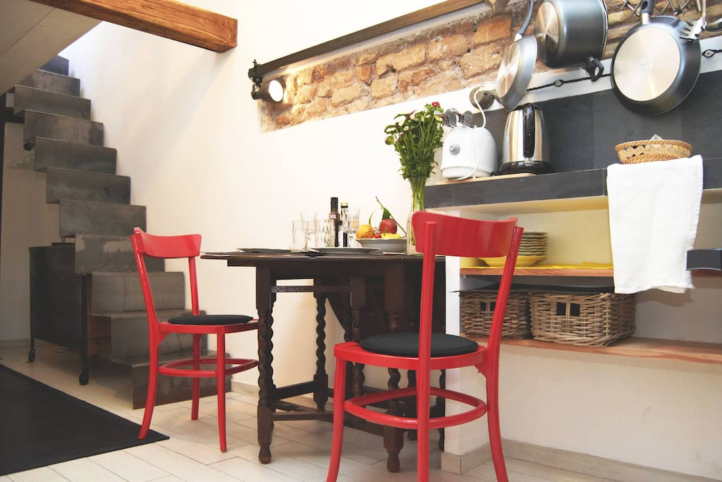 Nice loft trastevere with terrace lofts for rent in rome for Immobilier loft nice