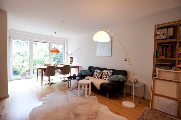 Womans room to garden in Eppendorf