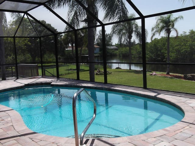 Beautiful pool/dock Lemon Bay acre, kids paradise!