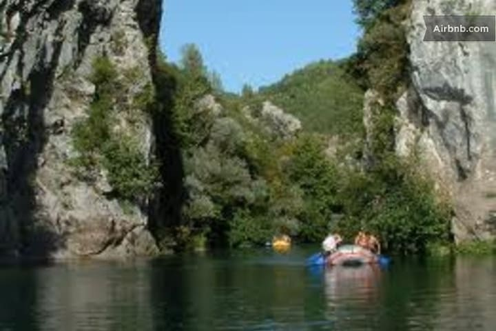 rafting on the Cetina located 6 km