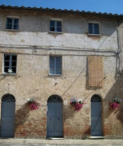 House in Medieval Tuscan Village - Monterongriffoli - Talo
