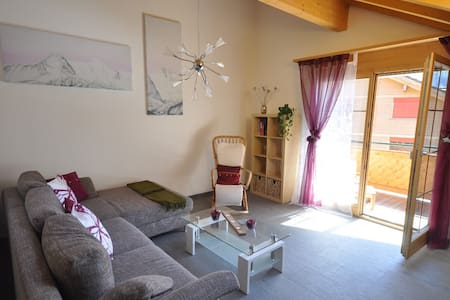 Charming Penthouse - amazing views - Lauterbrunnen - Daire
