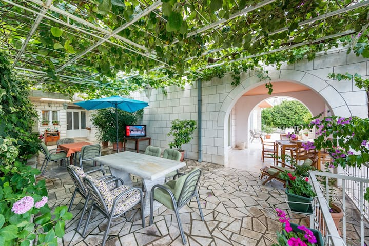 Apartmani Husanovic A1 - Općina Dubrovnik - Appartement