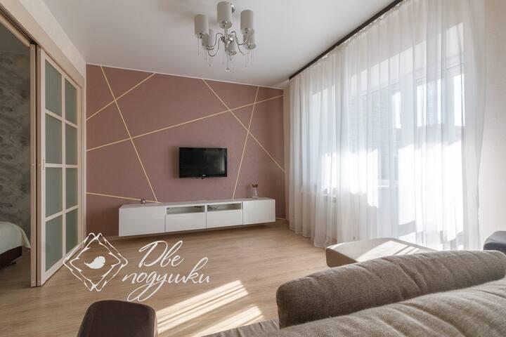 """Апартаменты """"Две Подушки"""" на Шекснинском пр. 8"""