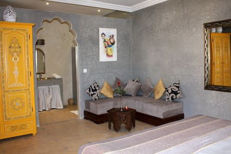 Riad exceptional southern Morocco - 티즈니트