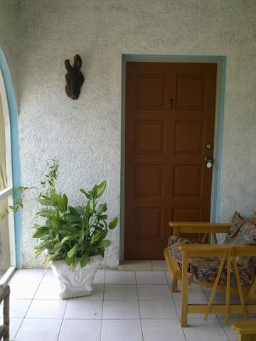 Irie Rest Guesthouse Room 3 - Billy Bay - Calabach Bay - Apartmen