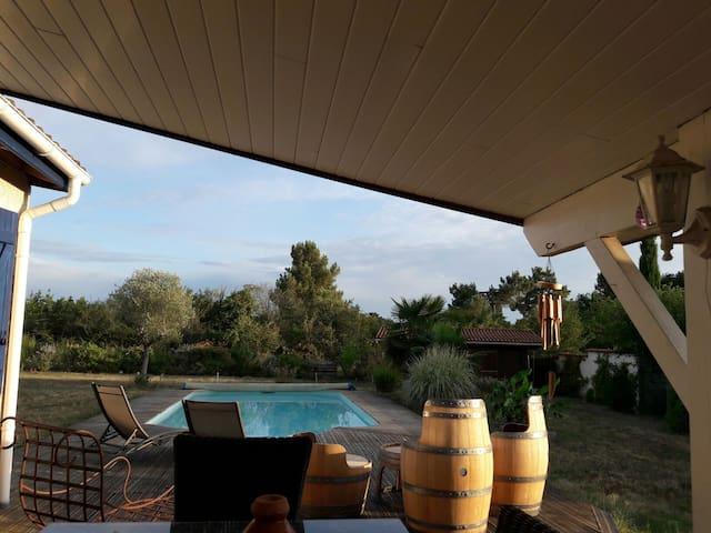 Maison 100m2 avec piscine à 20 minutes de Bordeaux